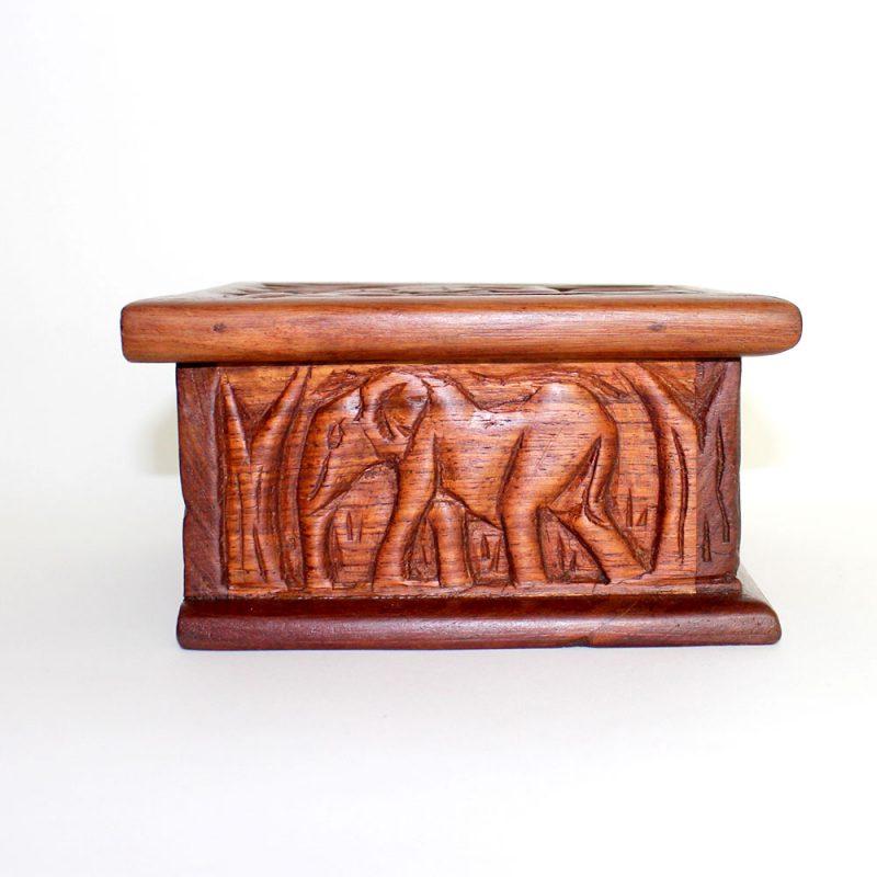 Giraffe-wooden-box-3