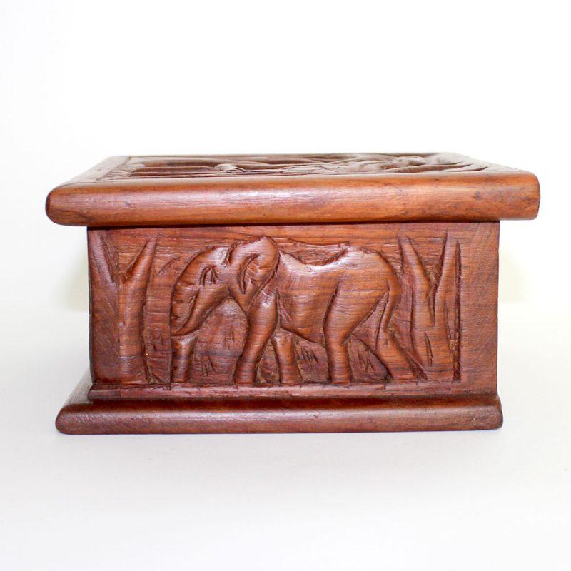 Giraffe-wooden-box-4