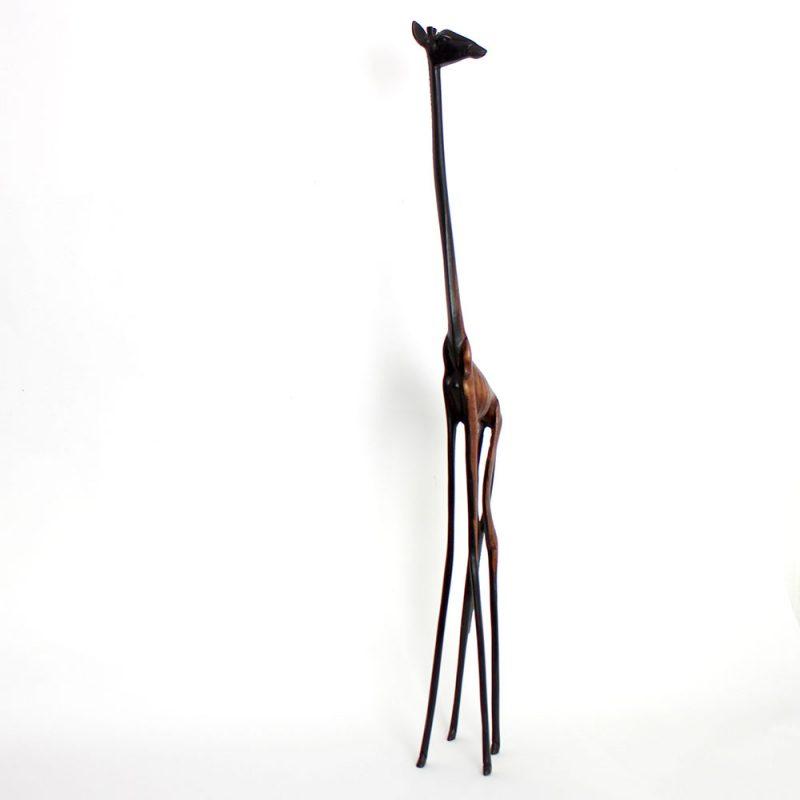 Wooden-statue-giraffe-3