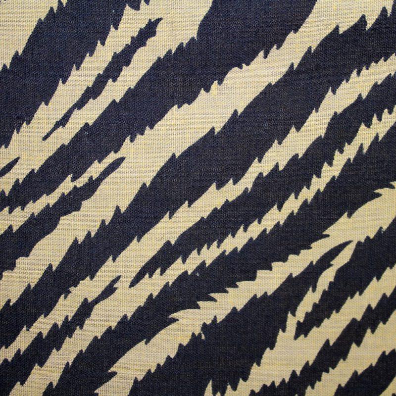 Safari-striped-Kanga-é